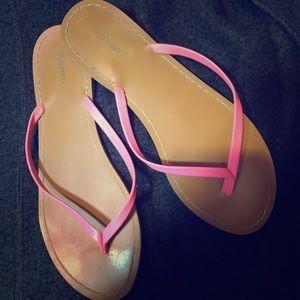 Shoes - LOT of 4 women's size 8 flip flops!